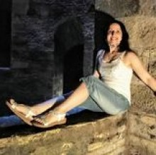 Elena Multari's avatar
